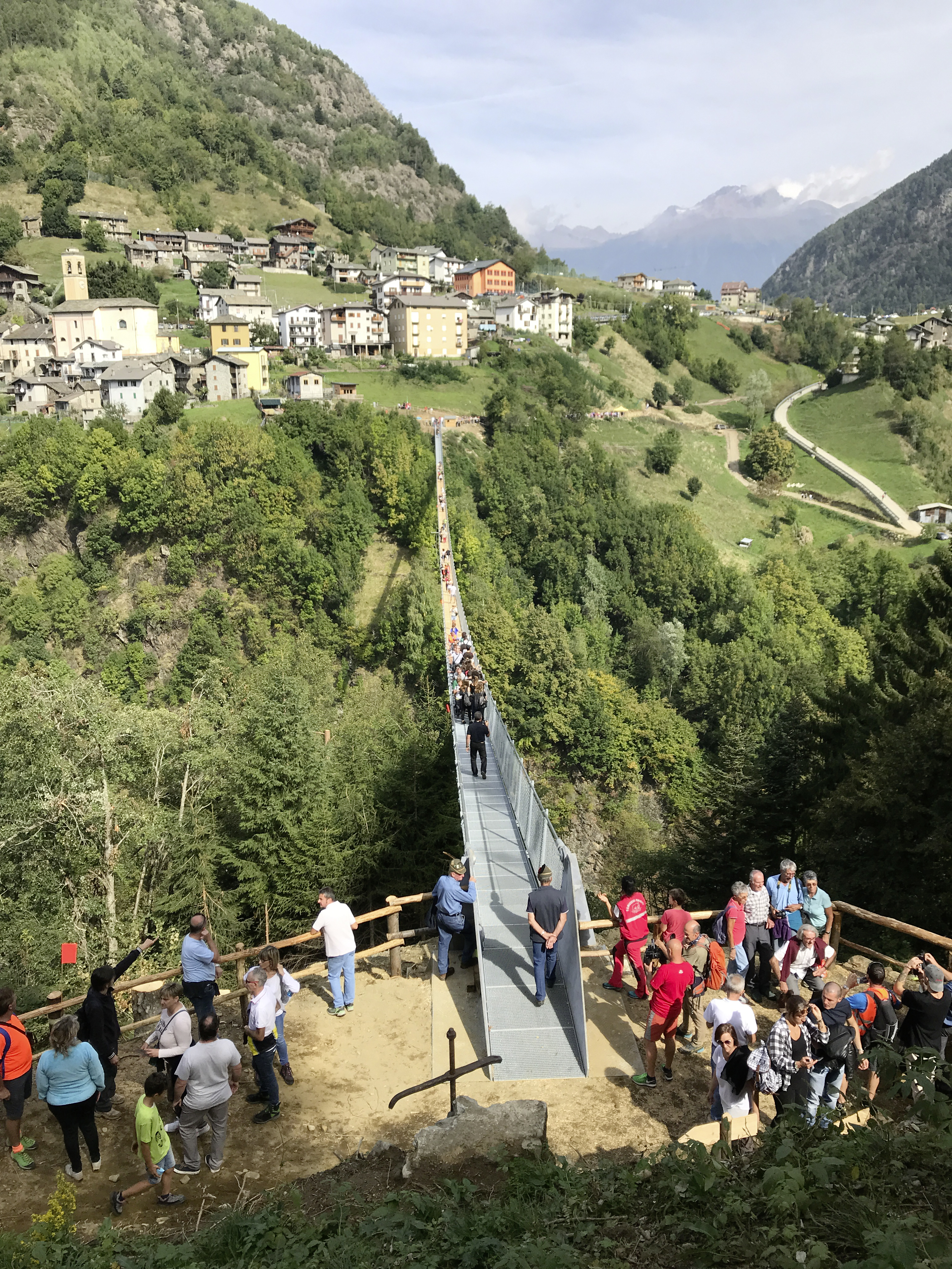 Costruzione di ponti, ponte sospeso pedonale, Tartano - Road and bridge construction